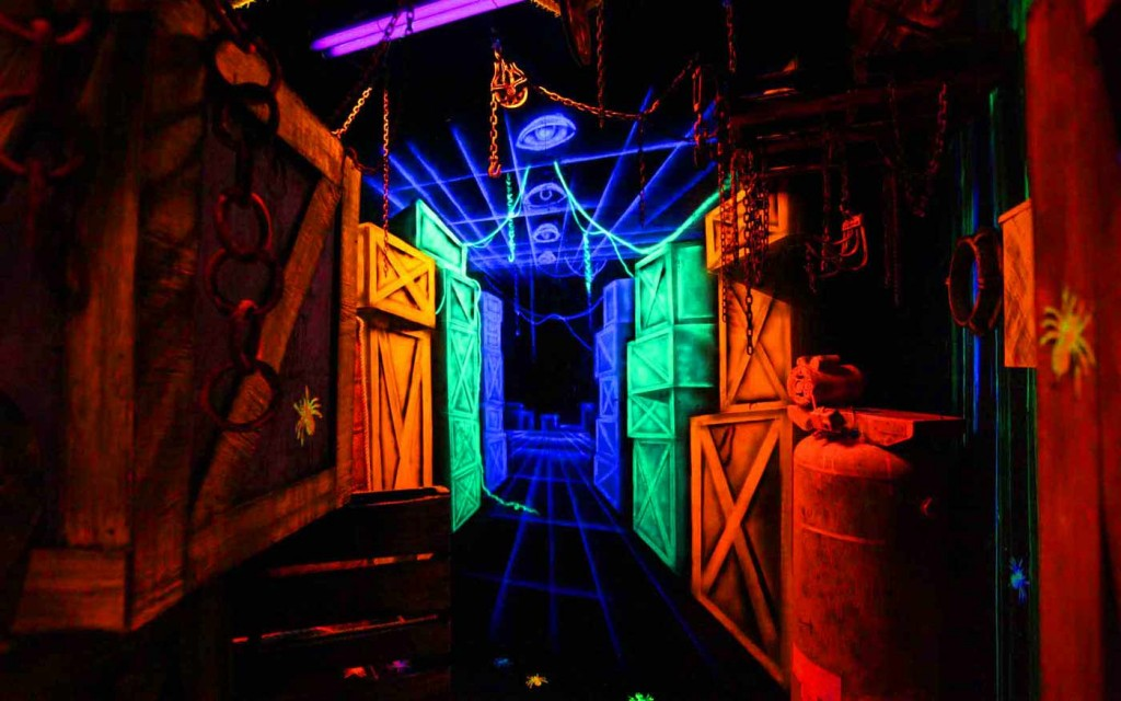Thrillvania Haunted House Park Verdun Manor Haunted